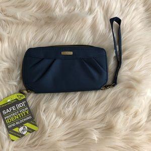 Travelon rfid wallet wristlet